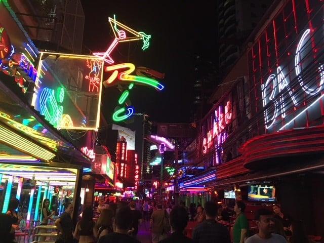 バンコク夜遊び!ゴーゴーバーって最近どうなの?人気のお店を市場調査